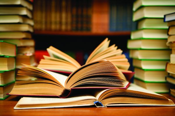 68767272-books-wallpapers